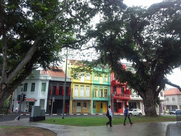 now_i_am_in_singapore_01.jpg